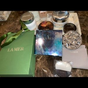La Mer illuminating powder limited edition.